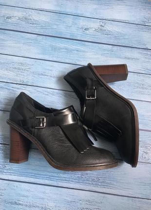 Новые ботинки clarks