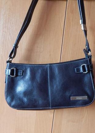 Небольшая кожаная сумка кроссбоди