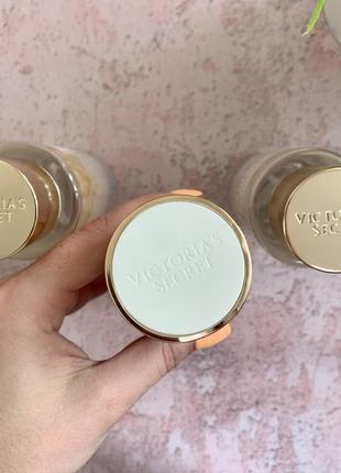 Парфумовані лосьйон і спрей victorias secret з нової колекції radiant: bare vanilla radiant3 фото
