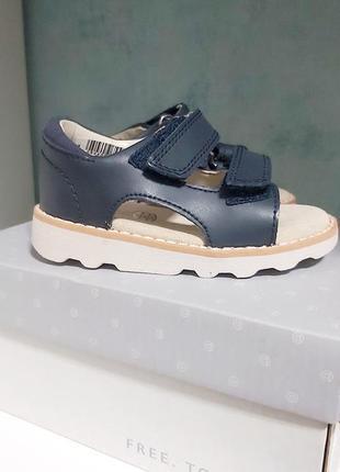 Кожаные босоножки сандалии для мальчика clarks 20 р