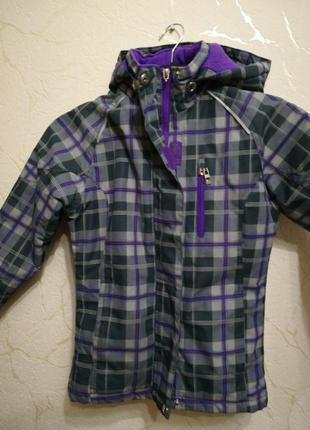 Куртка на девочку 7-8 лет