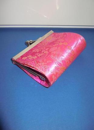 Атласный кошелёк в винтажном стиле.