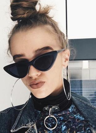 Стильные солнцезащитные очки лисичка