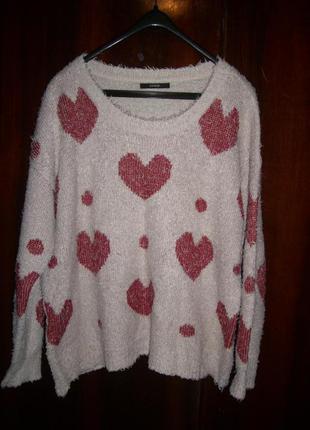 Пушистый свитер с сердечками, размер 18