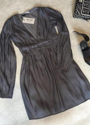 Платье с v-образным вырезом1 фото