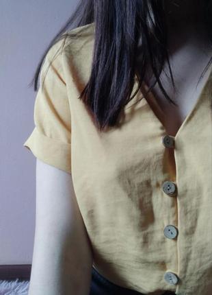 Ніжний топ new look в жовтому кольорі і фурнітурою під дерево💛