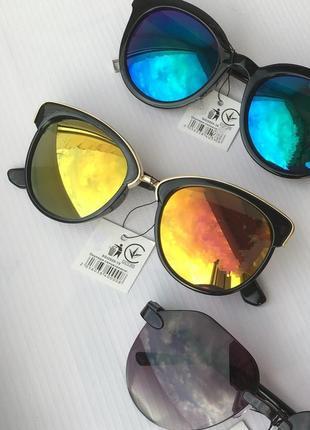 Очки солнцезащитные от солнца с зеркальными хамелеон линзами стёклами стеклами броулайнеры кошачий глаз круглые