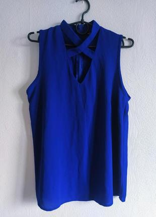 Стильная шифоновая блуза с красивой грудкой