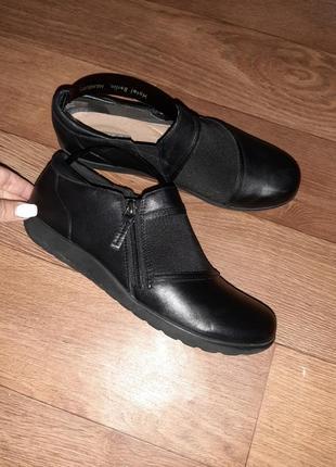 Удобные кожаные туфельки clarks! размер 38-39