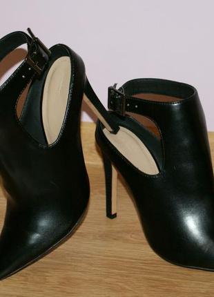 Шикарные ботильйоны-туфли zara 40 размер маломерят
