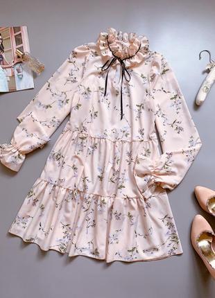 Платье в цветочек подойдёт для беременных