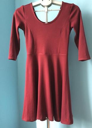 Платье женское ( на девушку) р-р xs-s. новое. рукав 3/4.