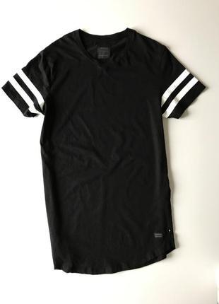 Чоловічі футболка produkt/мужская черная футболка