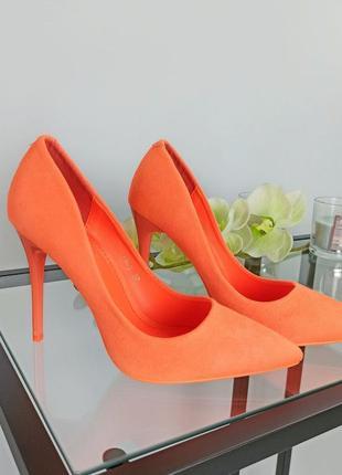 Женские неоновые лодочки на каблуке оранжевые