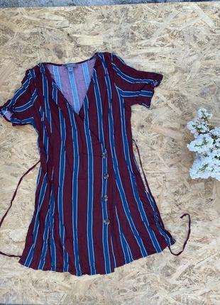 Легкое летнее платье на запах с пуговицами поясом в полоску