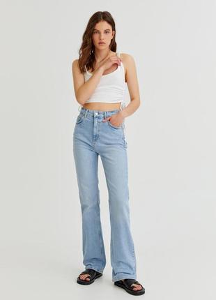 Новые джинсы клеш / расклешенные джинсы с высокой посадкой pull&bear