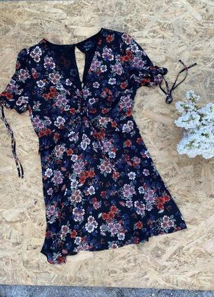 Платье воздушное легкое летнее в цветочный принт с завязками с красивой открытой спиной