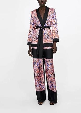 Шёлковый костюм кимоно zara