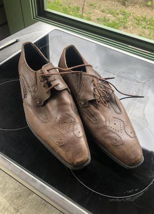 Туфлі bugatti