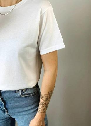 Біла базова футболка5 фото
