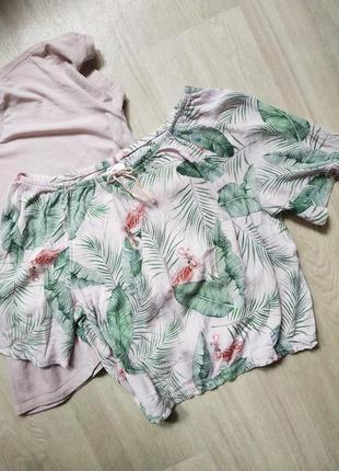 Легкий топ с фламинго из жатой ткани
