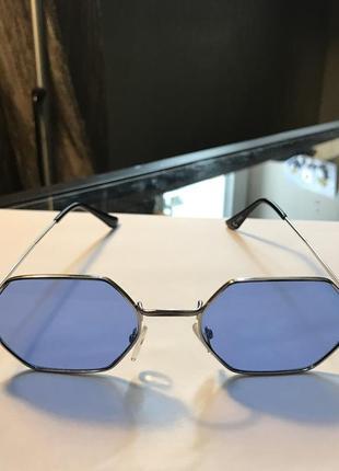 Очки с синими линзами