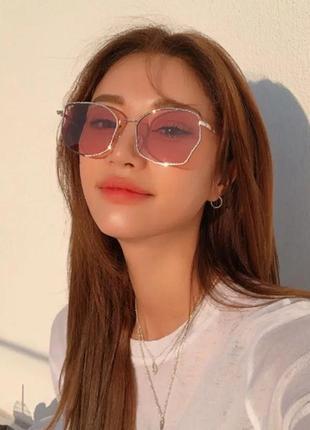 Солнцезащитные очки от солнца с металлической оправой с розовыми красными линзами стеклами стёклами