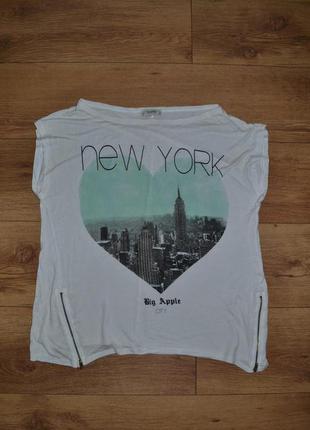 Классная футболка свободного кроя с молниями новая