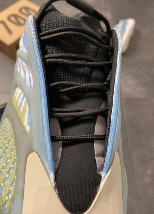 Кроссовки adidas yeezy boost 700 v3 blue5 фото