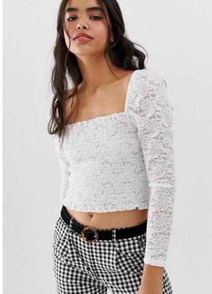 Белый кружевной кроп топ  блузка корсет  с рукавом фонарик в плече и  квадратным вырезом