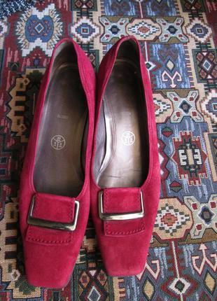 Модные замшевые туфли gabor