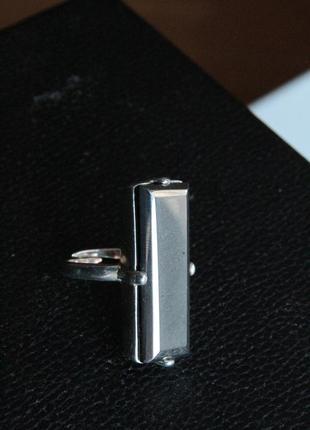 Кольцо со вставкой