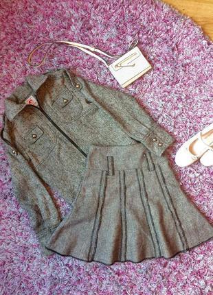 Дуже класний костюм! юбка + пиджак, р.152,в составе шерсть