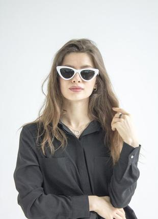 Стильные женские солнцезащитные очки белая модель 2021