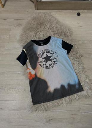 Крута футболка convers