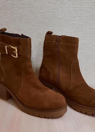 Добротные кожаные челсы,ботинки,черевики от office london