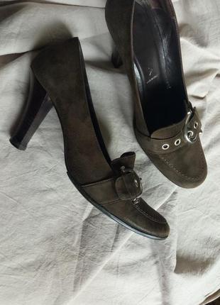 Стильные замшевые туфли с пряжкой в винтажном стиле (italy)