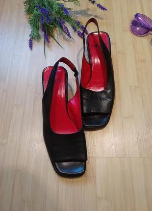 Кожаные босоножки квадратный мыс низкий каблук walder италия