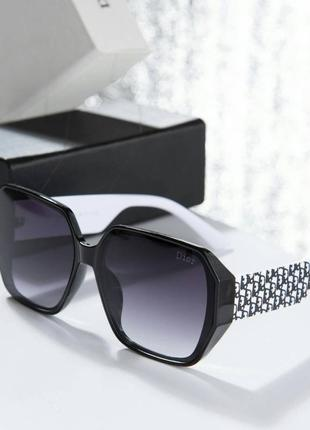 Солнцезащитные очки от dior1 фото
