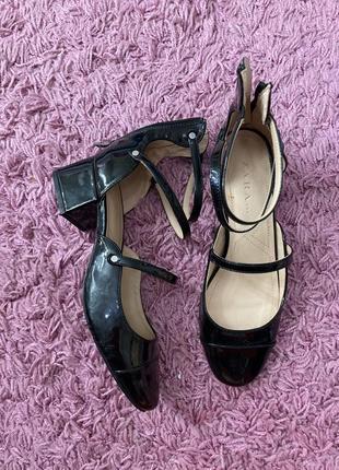 Туфли чёрные босоножки