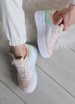Женские цветные кроссовки