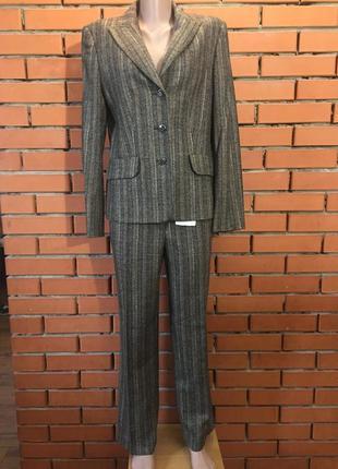 Шелково- шерстяной  брючный костюм jobis  44 р.
