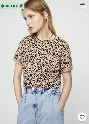 Укорочена футболка pull&bear