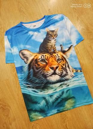 Красивая футболка оверсайз-с 3d-рисунком-не ношена-