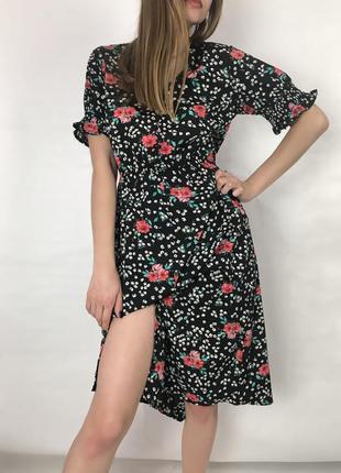 Платье с цветочным принтом от boohoo🖤