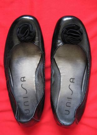 Unisa (36, 23 см) кожаные лакированные балетки