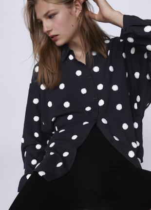 Новая чёрная рубашка zara в белый горох оверсайз