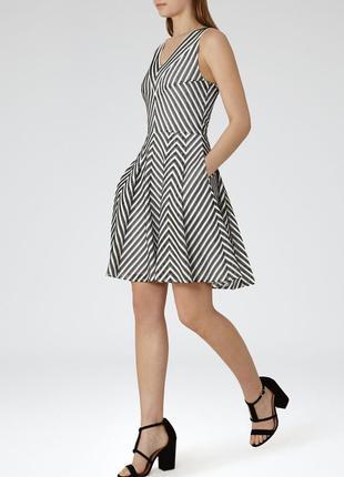 Актуальное стильное платье в полоску с карманами, reiss john lewis