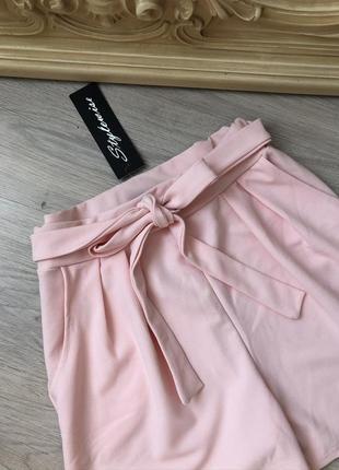 Шикарные шорты на высокой талии, новые с бирками!
