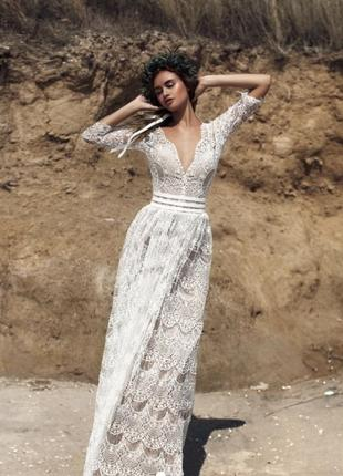 Оригинальное свадебное платье от бренда ariamo